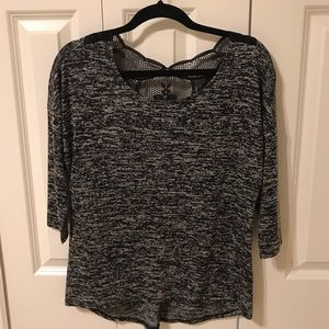 Tops - Black and white 3/4 sleeve shirt